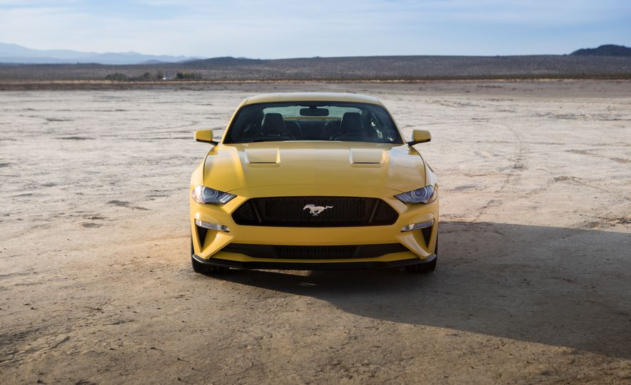 2018 Ford Mustang GT coupe - Slide 11
