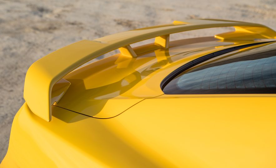 2018 Ford Mustang GT coupe - Slide 13
