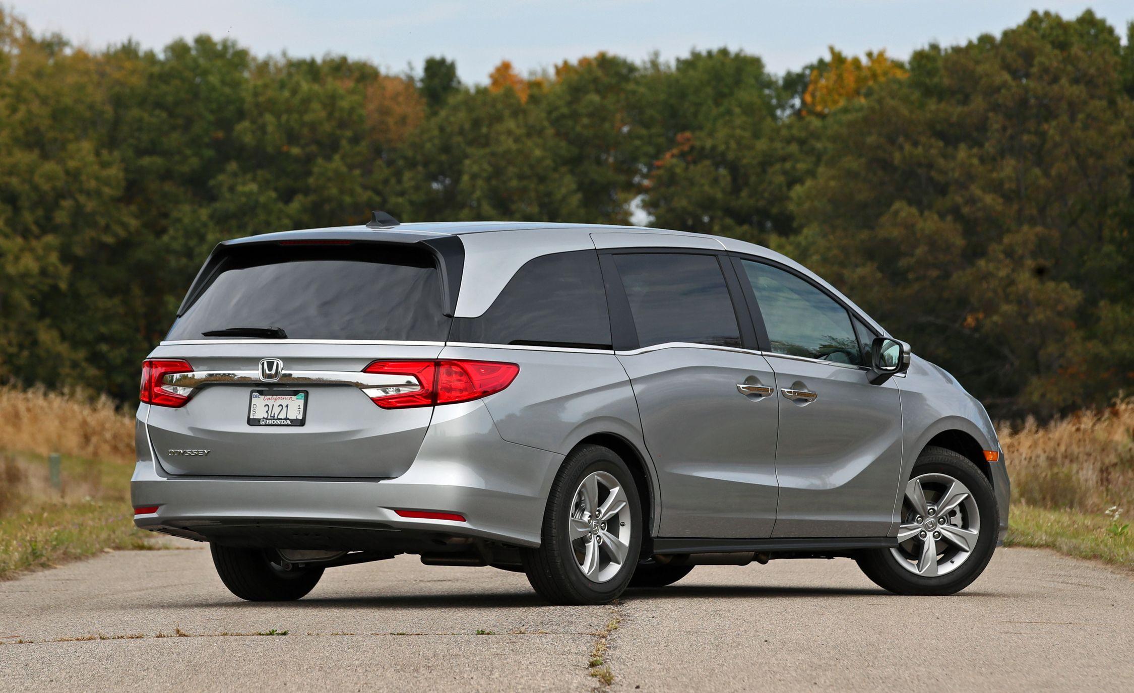Honda Odyssey Reviews Honda Odyssey Price Photos And Specs Car