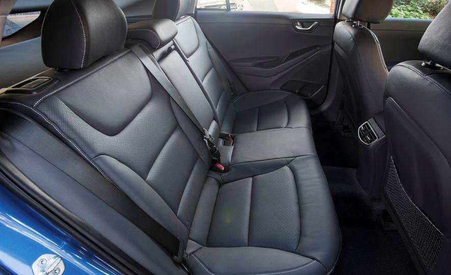 2018 Hyundai Ioniq Plug-In Hybrid - Slide 42