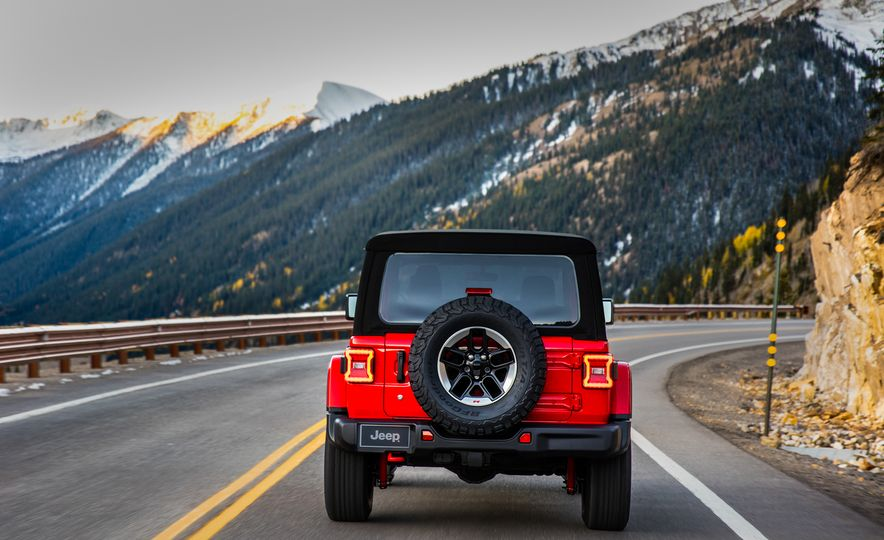 2018 Jeep Wrangler - Slide 19