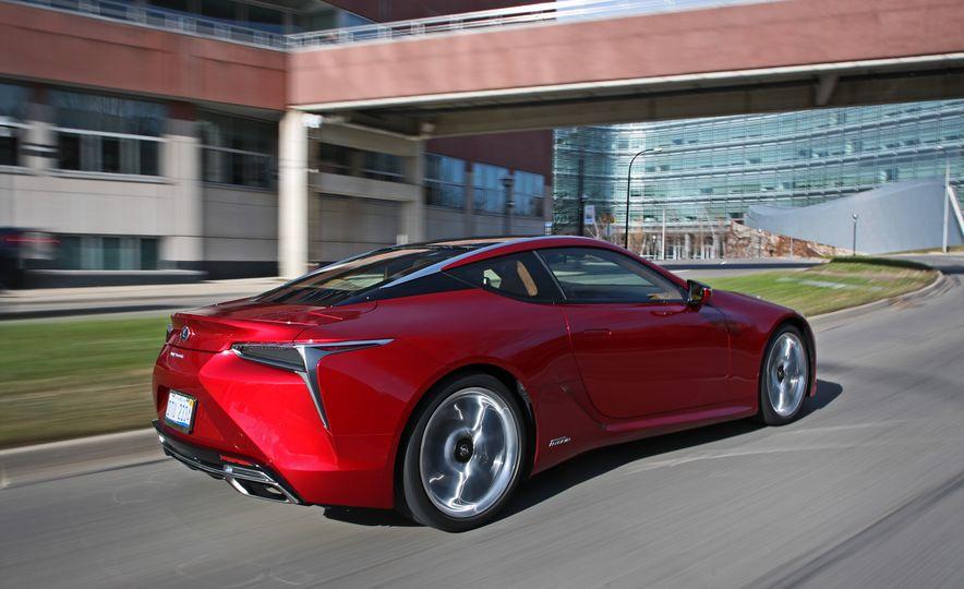 2018 Lexus LC500h - Slide 15