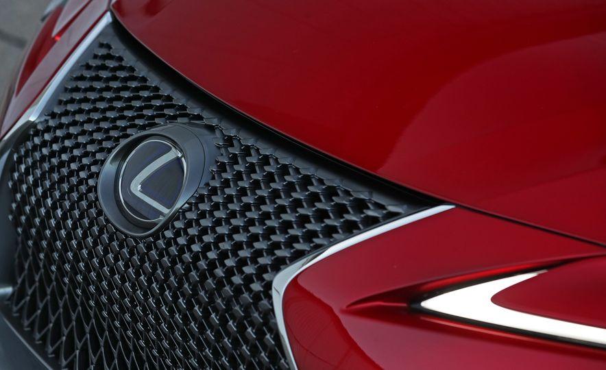 2018 Lexus LC500h - Slide 28