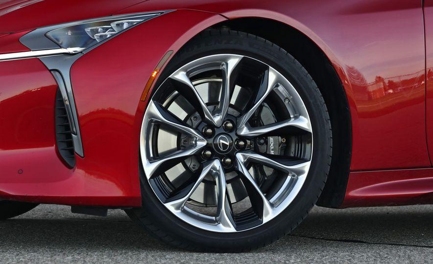 2018 Lexus LC500h - Slide 34