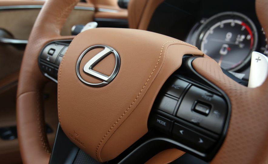 2018 Lexus LC500h - Slide 60