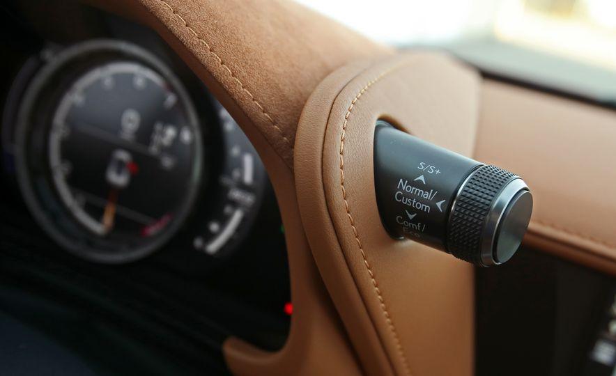 2018 Lexus LC500h - Slide 63
