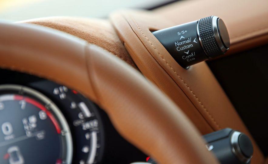 2018 Lexus LC500h - Slide 64