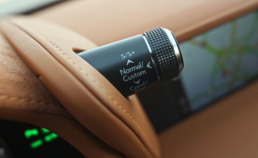 2018 Lexus LC500h - Slide 65