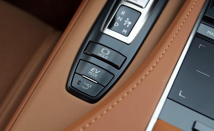 2018 Lexus LC500h - Slide 78