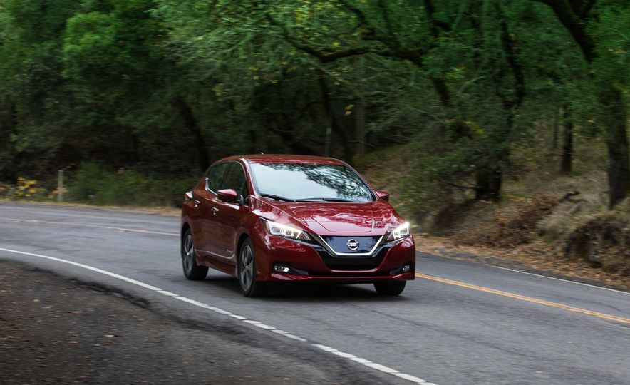 2018 Nissan Leaf - Slide 1
