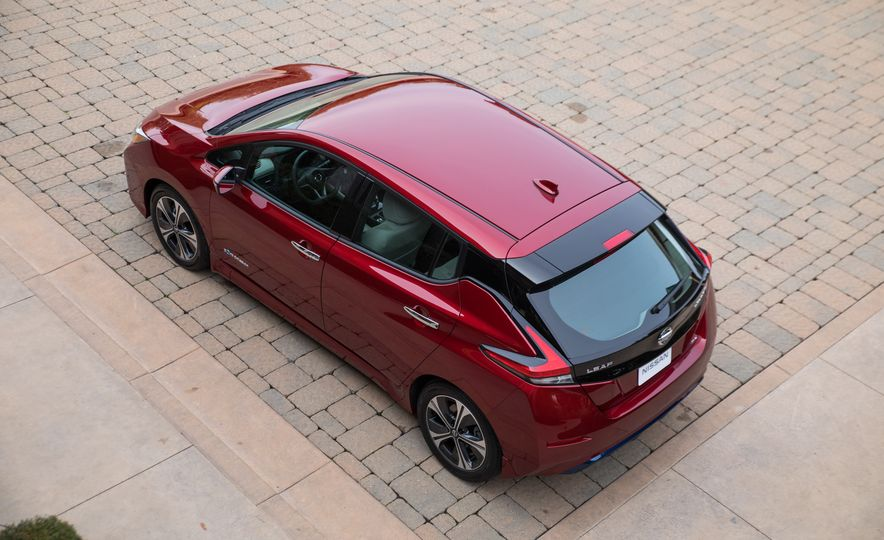 2018 Nissan Leaf - Slide 13