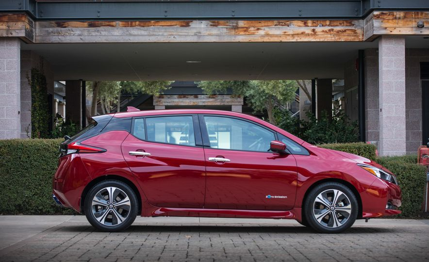 2018 Nissan Leaf - Slide 16