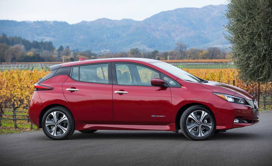 2018 Nissan Leaf - Slide 17
