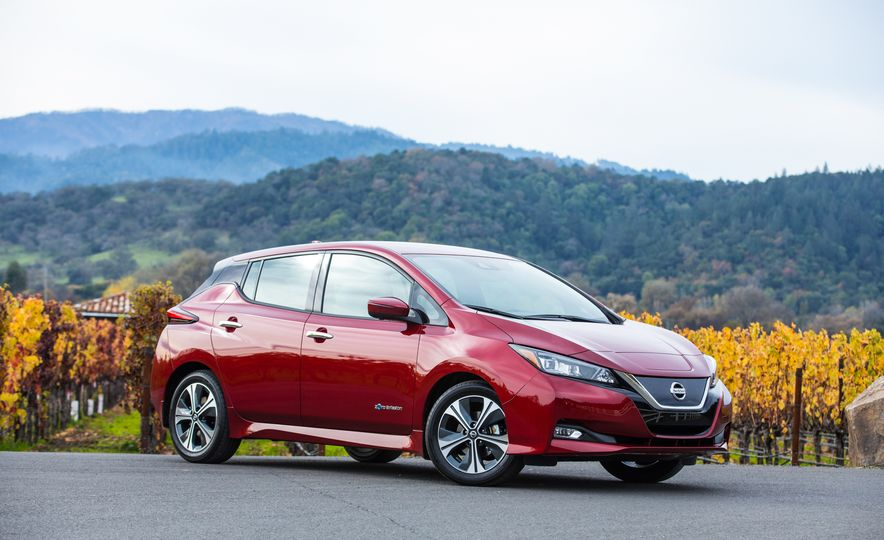 2018 Nissan Leaf - Slide 18
