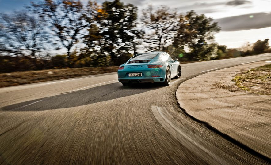 2018 Porsche 911 Carrera T - Slide 6