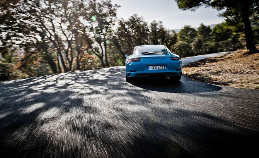 2018 Porsche 911 Carrera T - Slide 8