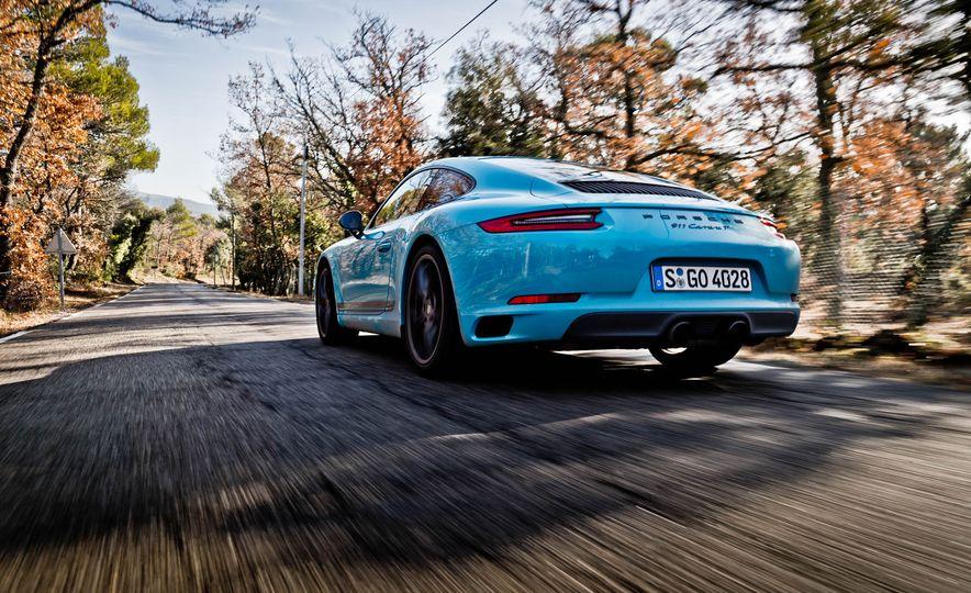 2018 Porsche 911 Carrera T - Slide 11