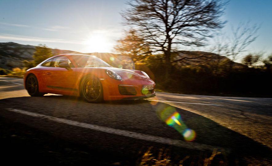 2018 Porsche 911 Carrera T - Slide 19