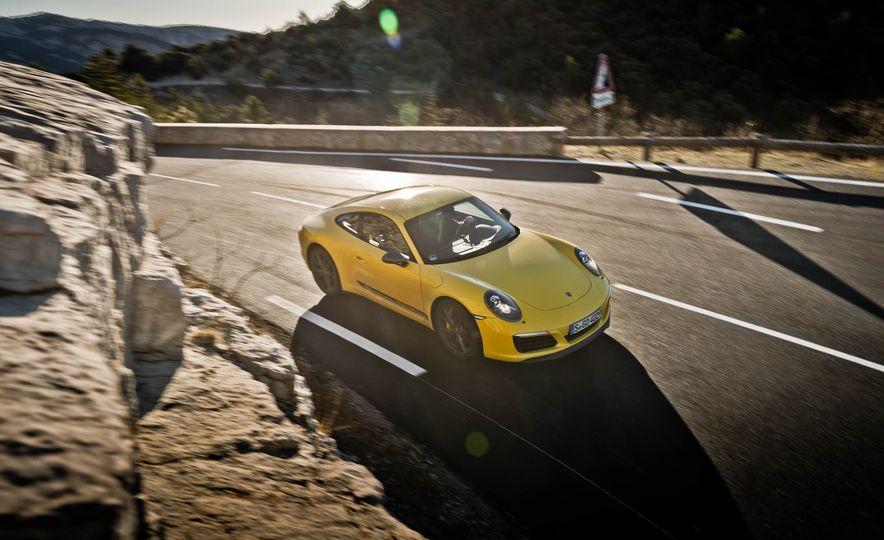 2018 Porsche 911 Carrera T - Slide 30