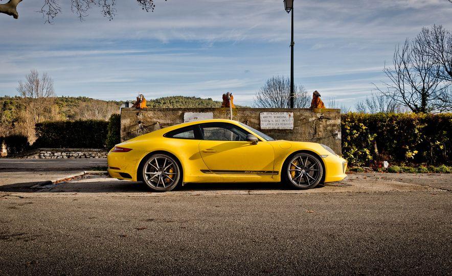 2018 Porsche 911 Carrera T - Slide 40