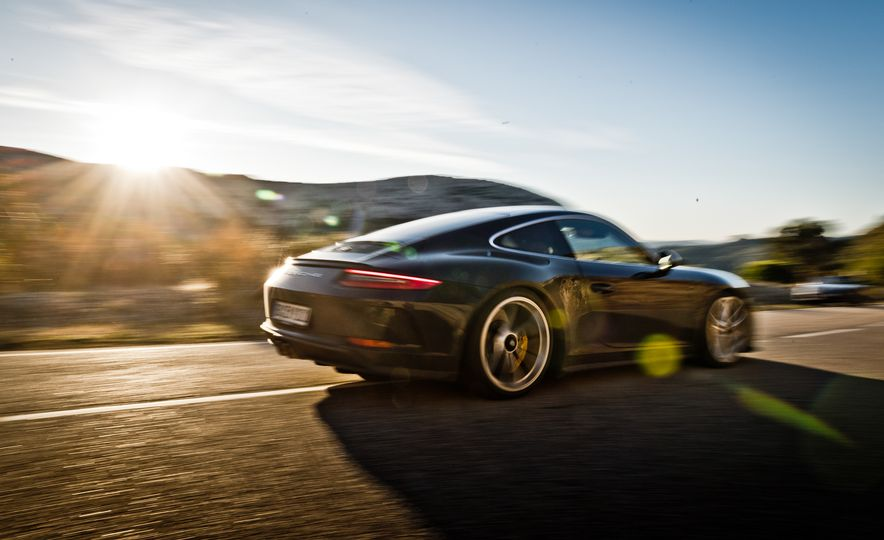 2018 Porsche 911 GT3 with Touring Package - Slide 5