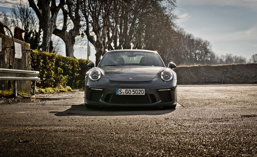 2018 Porsche 911 GT3 with Touring Package - Slide 22