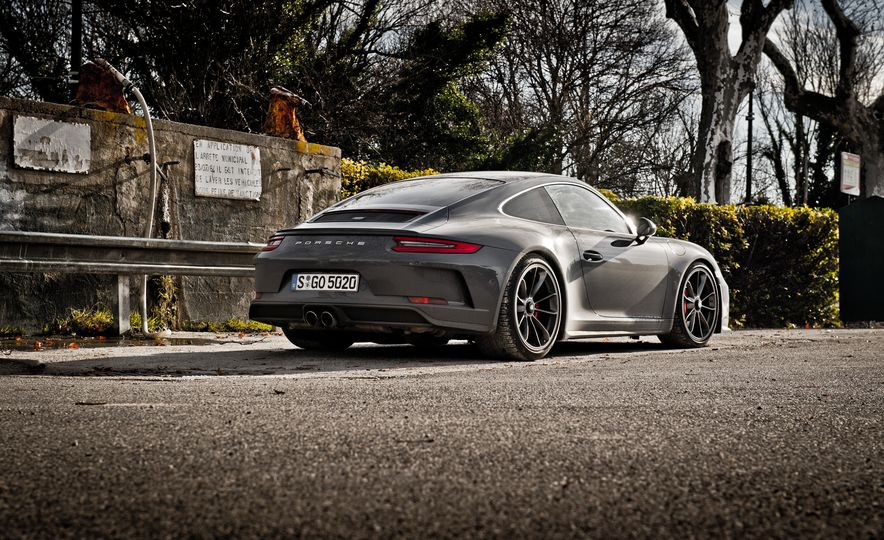 2018 Porsche 911 GT3 with Touring Package - Slide 23