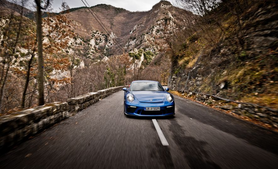 2018 Porsche 911 GT3 with Touring Package - Slide 27