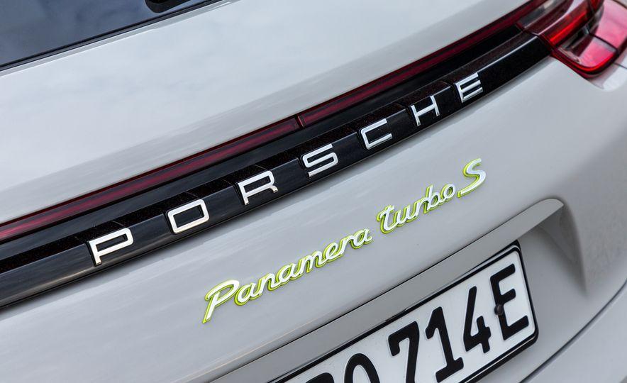 2018 Porsche Panamera Turbo S E-Hybrid Sport Turismo - Slide 13