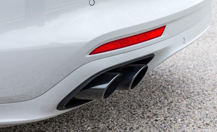2018 Porsche Panamera Turbo S E-Hybrid Sport Turismo - Slide 14