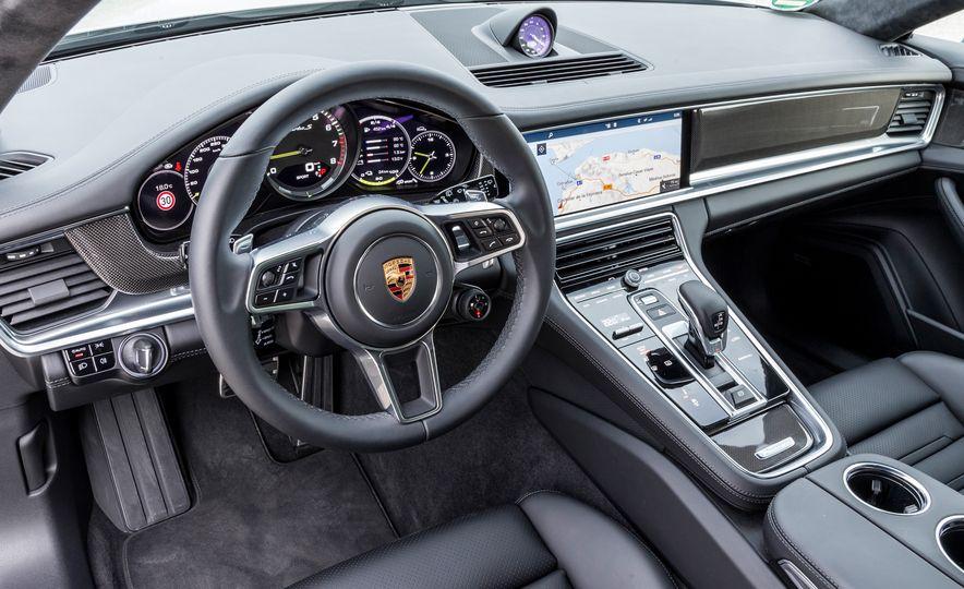 2018 Porsche Panamera Turbo S E-Hybrid Sport Turismo - Slide 16