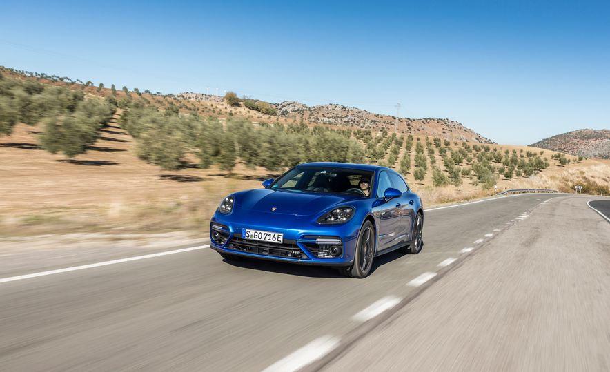 2018 Porsche Panamera Turbo S E-Hybrid Sport Turismo - Slide 25
