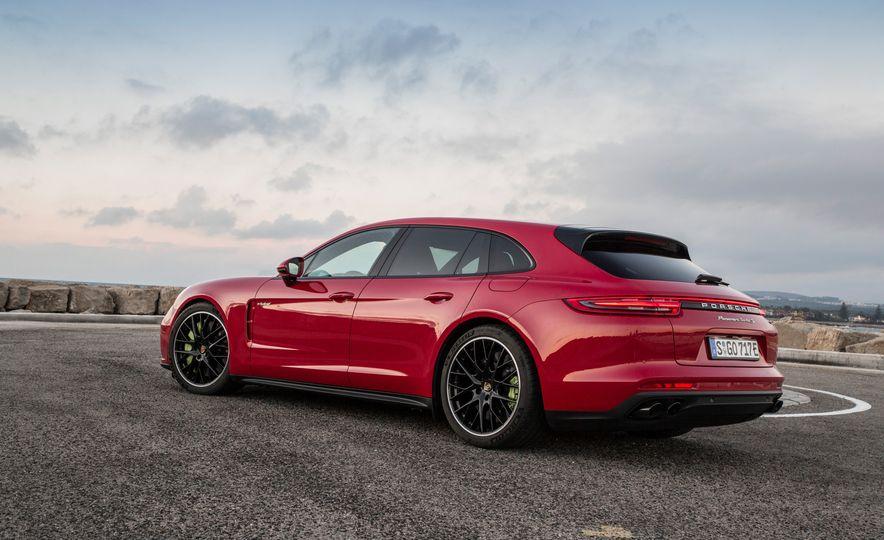 2018 Porsche Panamera Turbo S E-Hybrid Sport Turismo - Slide 44