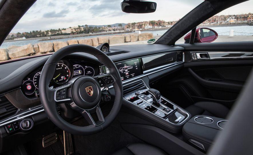 2018 Porsche Panamera Turbo S E-Hybrid Sport Turismo - Slide 54