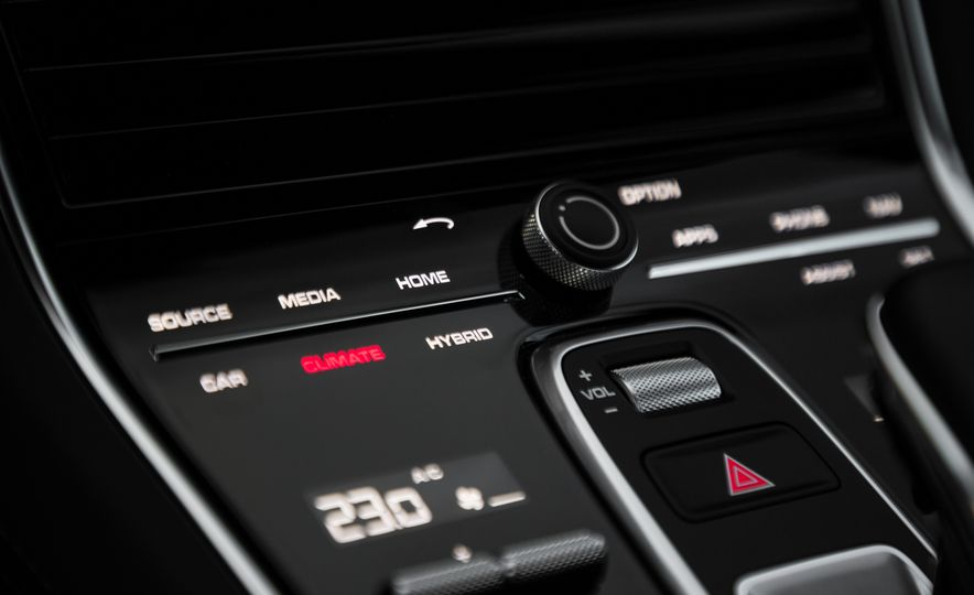 2018 Porsche Panamera Turbo S E-Hybrid Sport Turismo - Slide 59