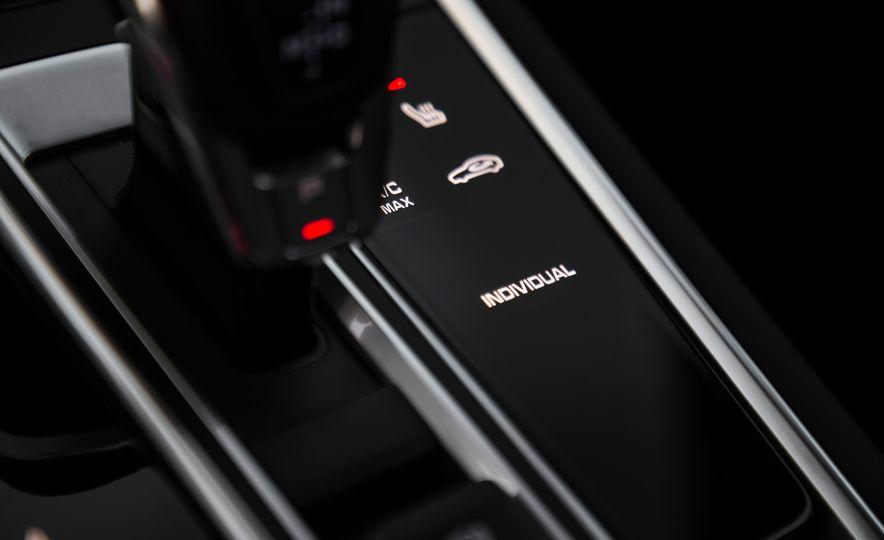 2018 Porsche Panamera Turbo S E-Hybrid Sport Turismo - Slide 60