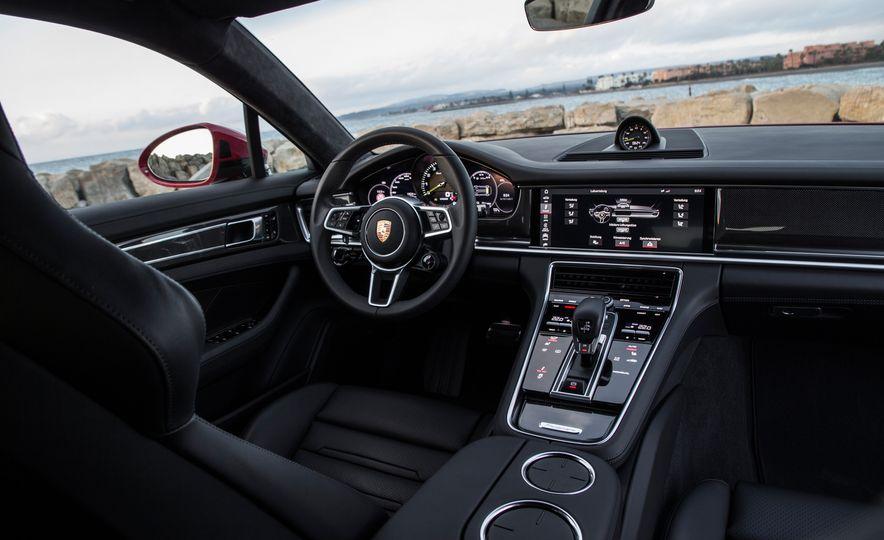 2018 Porsche Panamera Turbo S E-Hybrid Sport Turismo - Slide 61