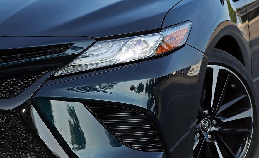 2018 Toyota Camry XSE - Slide 22