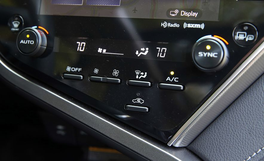 2018 Toyota Camry XSE - Slide 41