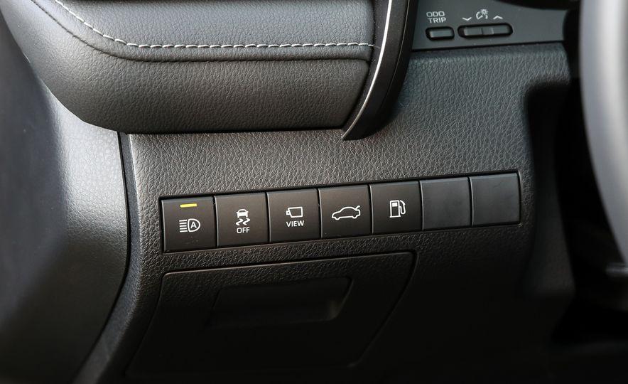 2018 Toyota Camry XSE - Slide 43