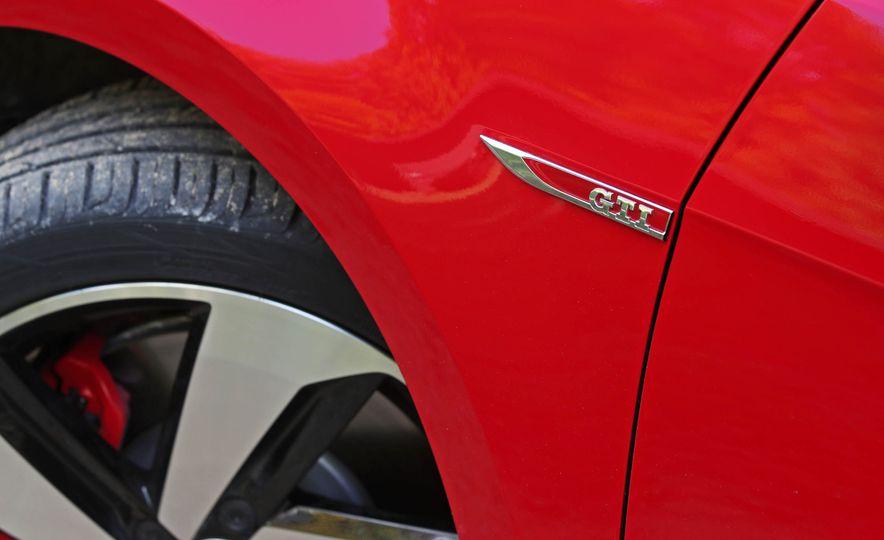 2018 Volkswagen Golf GTI - Slide 21