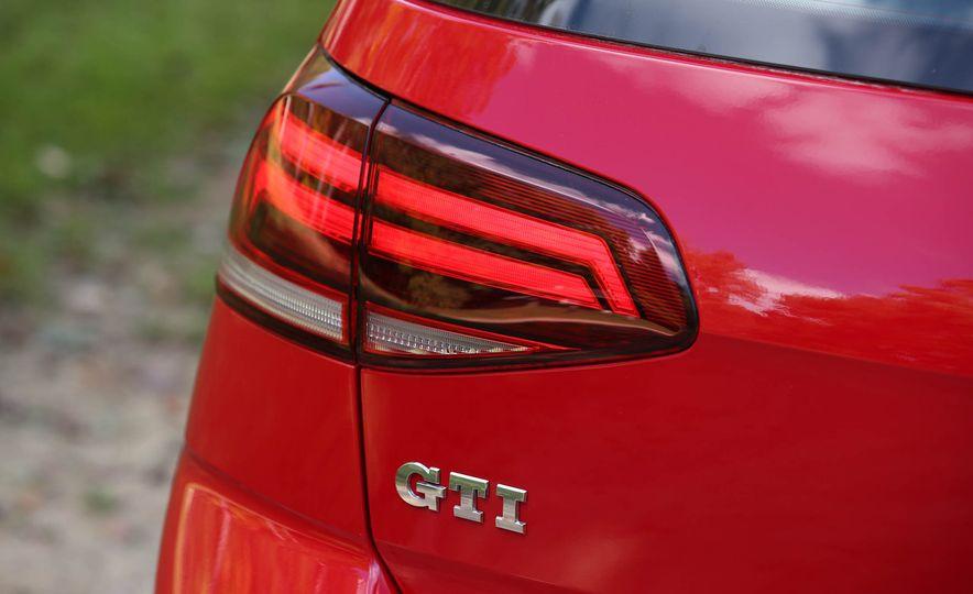 2018 Volkswagen Golf GTI - Slide 23
