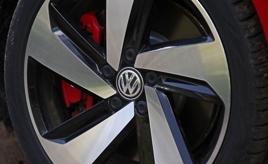2018 Volkswagen Golf GTI - Slide 27