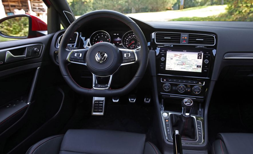 2018 Volkswagen Golf GTI - Slide 30