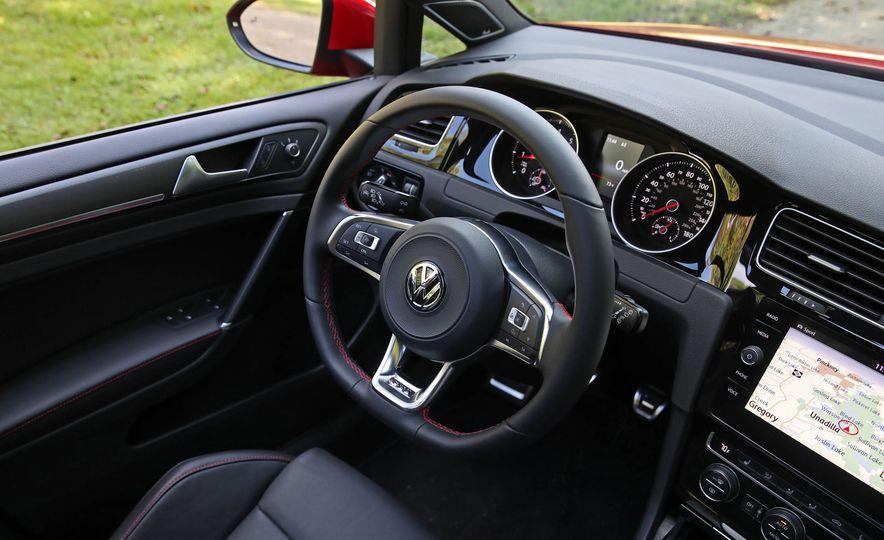 2018 Volkswagen Golf GTI - Slide 32
