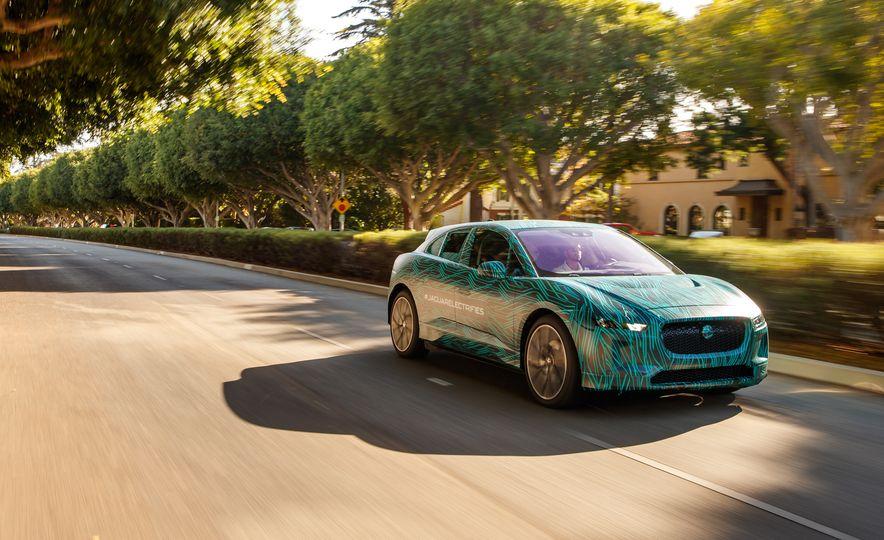 2019 Jaguar I-Pace prototype - Slide 4