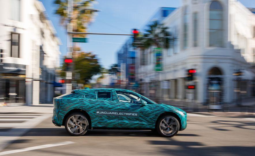 2019 Jaguar I-Pace prototype - Slide 9