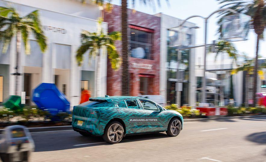 2019 Jaguar I-Pace prototype - Slide 10