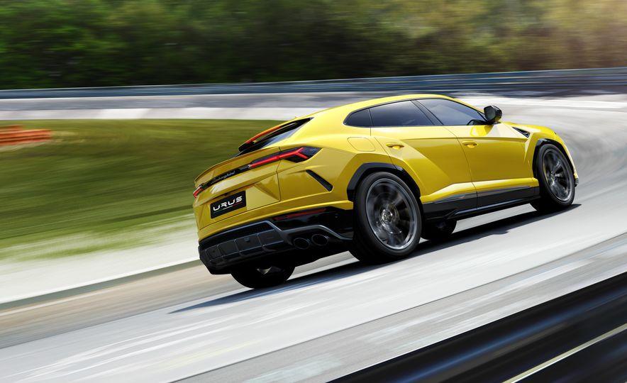 2019 Lamborghini Urus - Slide 7