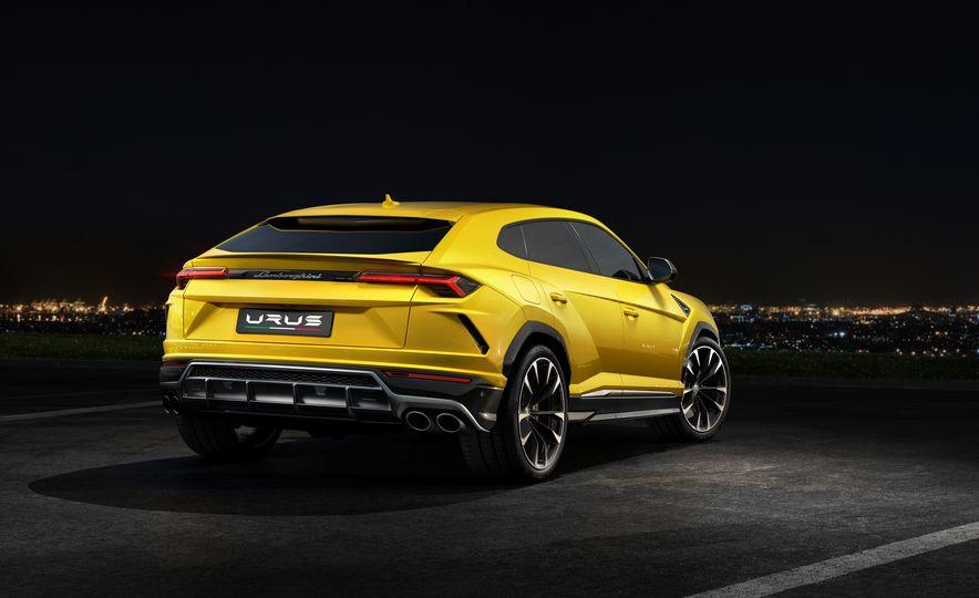 2019 Lamborghini Urus - Slide 10